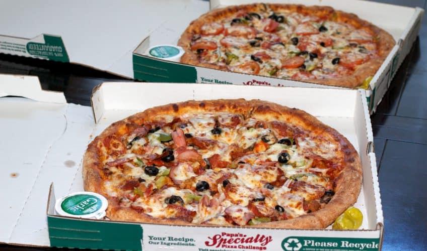duas pizzas grandes