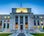 FED se junta a SEC e contrata diretora pró-bitcoin